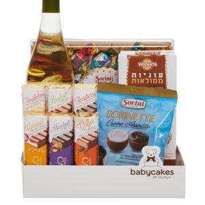 מארז שוקולד ועוגיות עם יין לבן